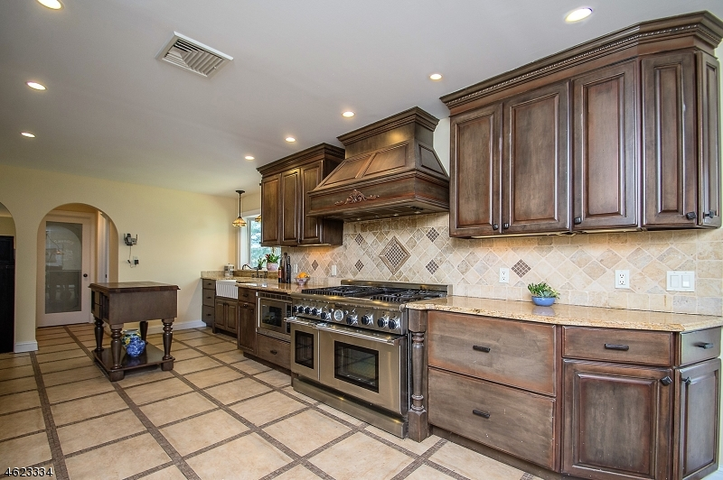 Additional photo for property listing at 277 Forest Glen Avenue  Franklin Lakes, New Jersey 07417 United States