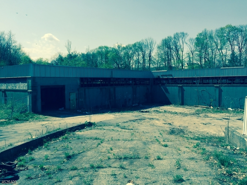 Commercial for Sale at 49 Gingerbread Castle Road Hamburg, New Jersey 07419 United States