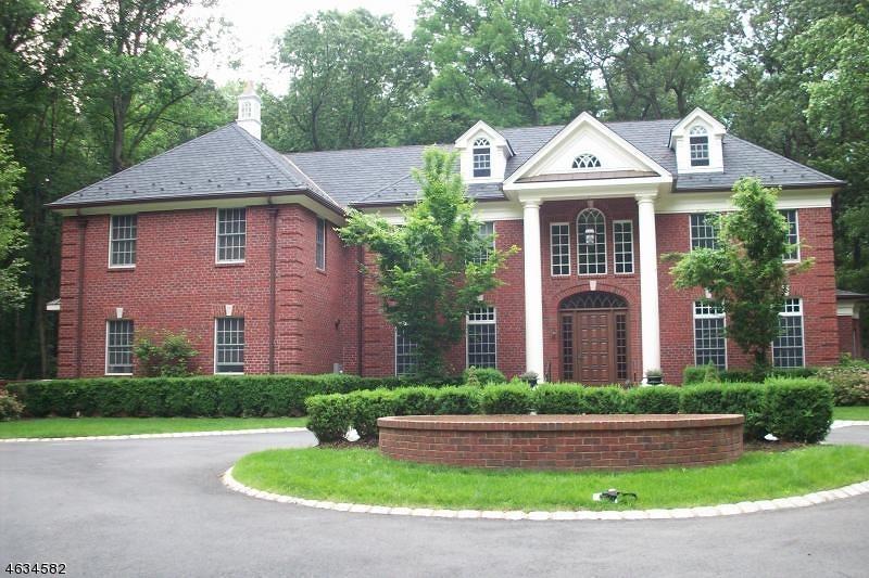 Частный односемейный дом для того Продажа на 218 Blue Mill Road Morristown, 07960 Соединенные Штаты