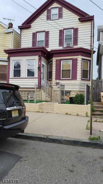 Additional photo for property listing at 572 E 33rd Street  Paterson, 新泽西州 07513 美国