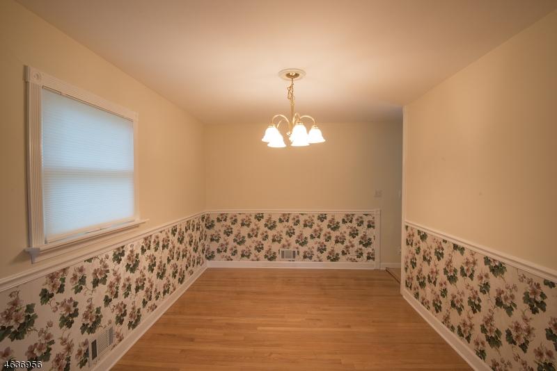Additional photo for property listing at 53 Evergreen Street  Waldwick, Nueva Jersey 07463 Estados Unidos