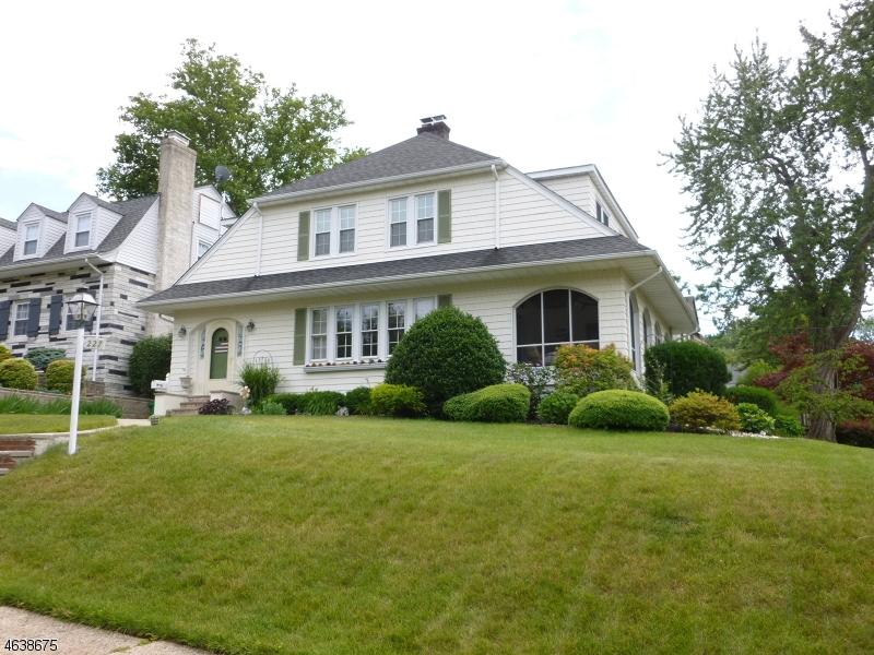 独户住宅 为 销售 在 227 Satterthwaite Avenue 纳特利, 07110 美国