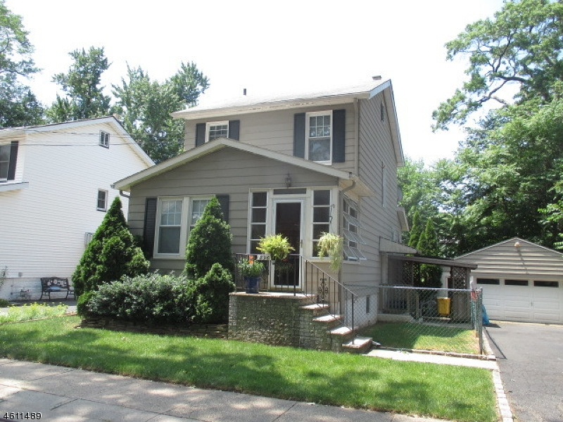 Additional photo for property listing at 896 S Park Ter  Union, New Jersey 07083 United States