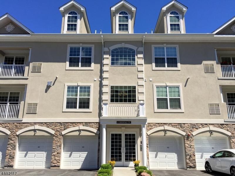 Casa Unifamiliar por un Venta en 4 Crystal Ct, B3 Woodland Park, Nueva Jersey 07424 Estados Unidos