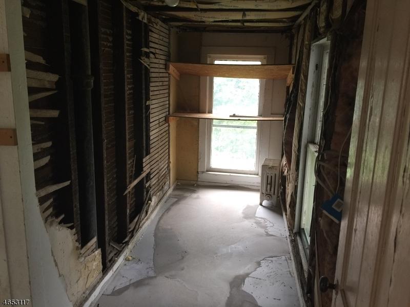 Additional photo for property listing at 46 Main Street  Hampton, Нью-Джерси 08827 Соединенные Штаты