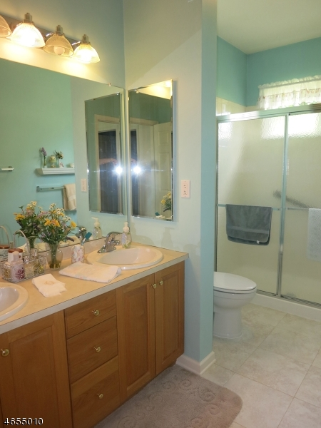 Additional photo for property listing at 20 Victoria Drive  Belvidere, New Jersey 07823 États-Unis