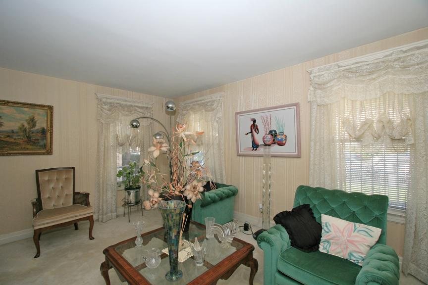 Additional photo for property listing at 156 N Day Street  Orange, Нью-Джерси 07050 Соединенные Штаты