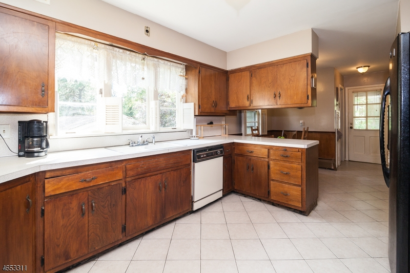 Additional photo for property listing at 536 Ridgewood Road  Maplewood, New Jersey 07040 United States