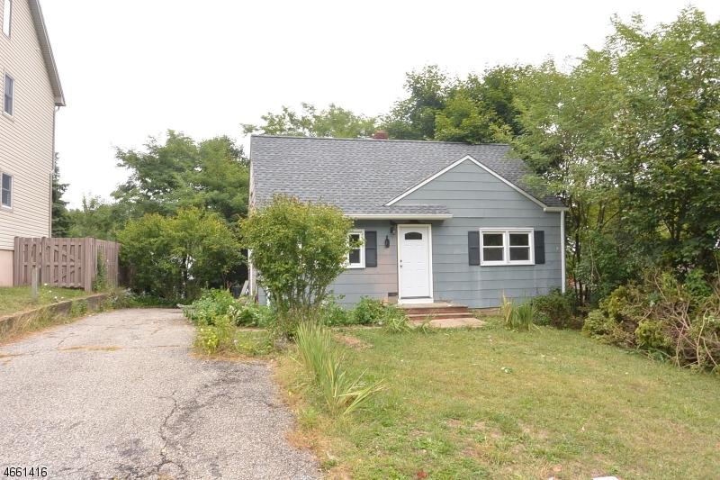 Частный односемейный дом для того Аренда на 12 Baker Street Rockaway, 07866 Соединенные Штаты