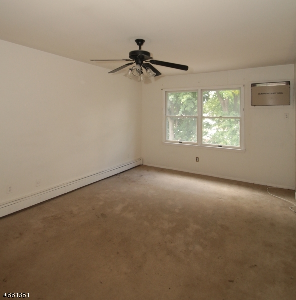 Additional photo for property listing at 38 Home Place  Bergenfield, New Jersey 07621 États-Unis