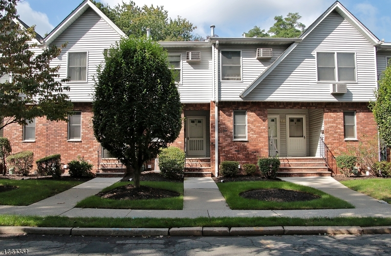 Single Family Home for Sale at 38 Home Place Bergenfield, 07621 United States