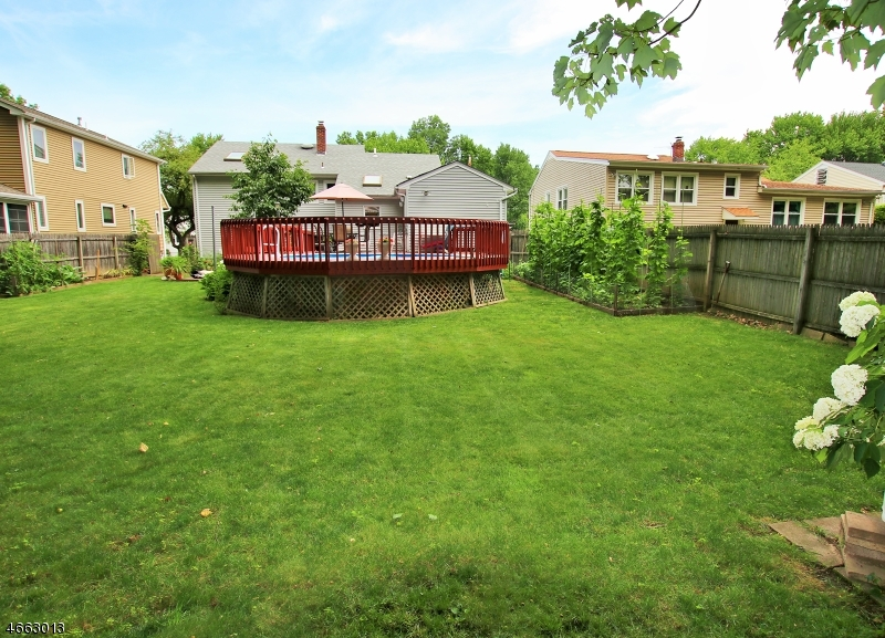 Additional photo for property listing at 223 Lelak Avenue  Springfield, New Jersey 07081 États-Unis
