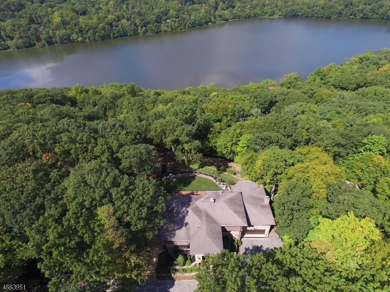 独户住宅 为 销售 在 22 Stony Brook Road Montville, 07045 美国