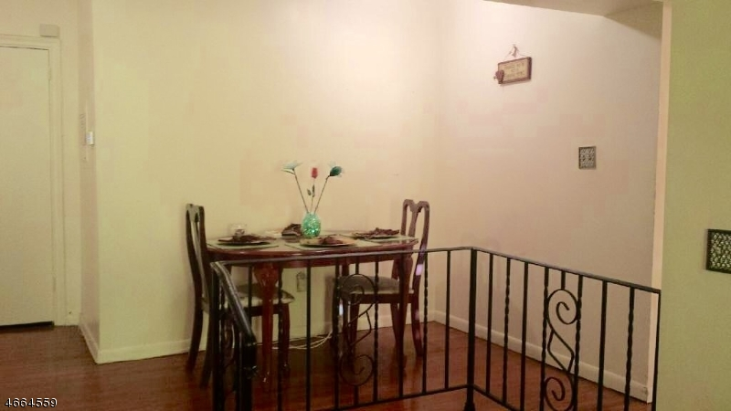 Additional photo for property listing at 19-31 LYONS Avenue  纽瓦克市, 新泽西州 07112 美国