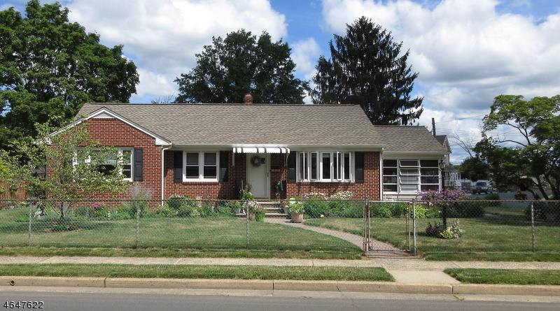 Частный односемейный дом для того Продажа на 800 Brooks Blvd Manville, 08835 Соединенные Штаты