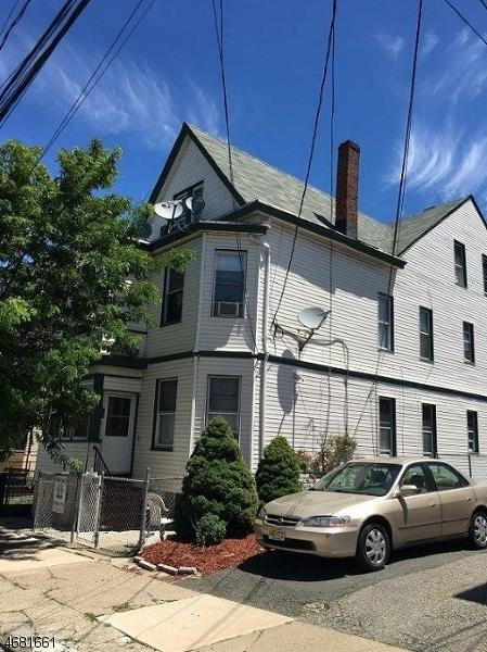 Частный односемейный дом для того Аренда на 975-977 E 23RD Street Paterson, 07513 Соединенные Штаты
