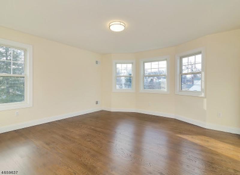 Additional photo for property listing at 158 Walnut Street  纳特利, 新泽西州 07110 美国