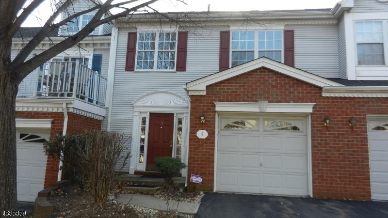 Casa Unifamiliar por un Alquiler en 5 Coral Court Franklin Park, Nueva Jersey 08823 Estados Unidos