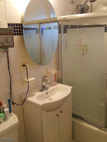 Частный односемейный дом для того Аренда на 725 Joralemon St, UNIT 229 Belleville, Нью-Джерси 07109 Соединенные Штаты
