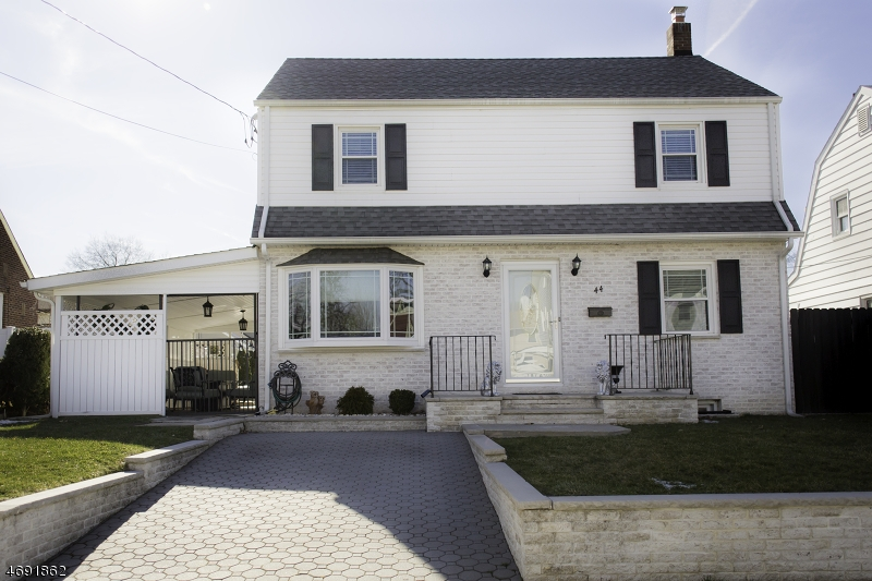 Single Family Home for Sale at 44 Rosedale Avenue Elmwood Park, New Jersey 07407 United States