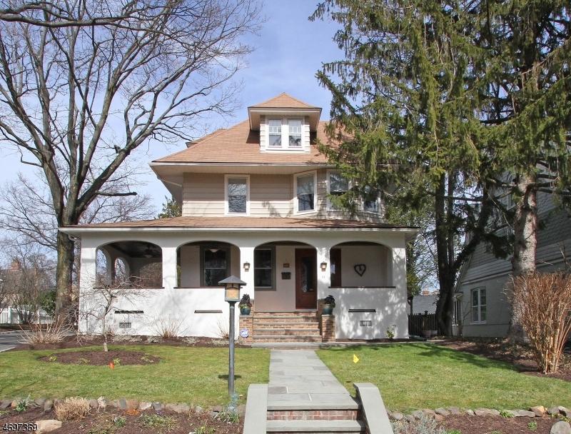 Maison unifamiliale pour l Vente à 25 Winsor Place Glen Ridge, New Jersey 07028 États-Unis