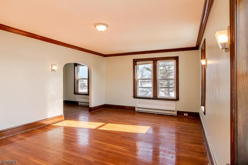 Частный односемейный дом для того Аренда на 49 Franklin Street Belleville, Нью-Джерси 07109 Соединенные Штаты