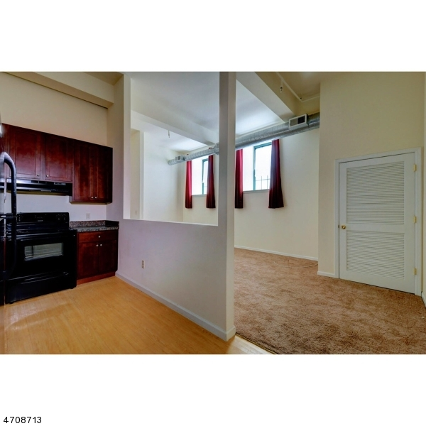 Single Family Home for Rent at 91 Park Heights Avenue Dover, New Jersey 07801 United States