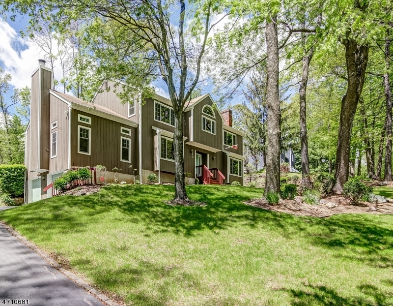 Single Family Home for Sale at 142 Sun Valley Way Morris Plains, New Jersey 07950 United States