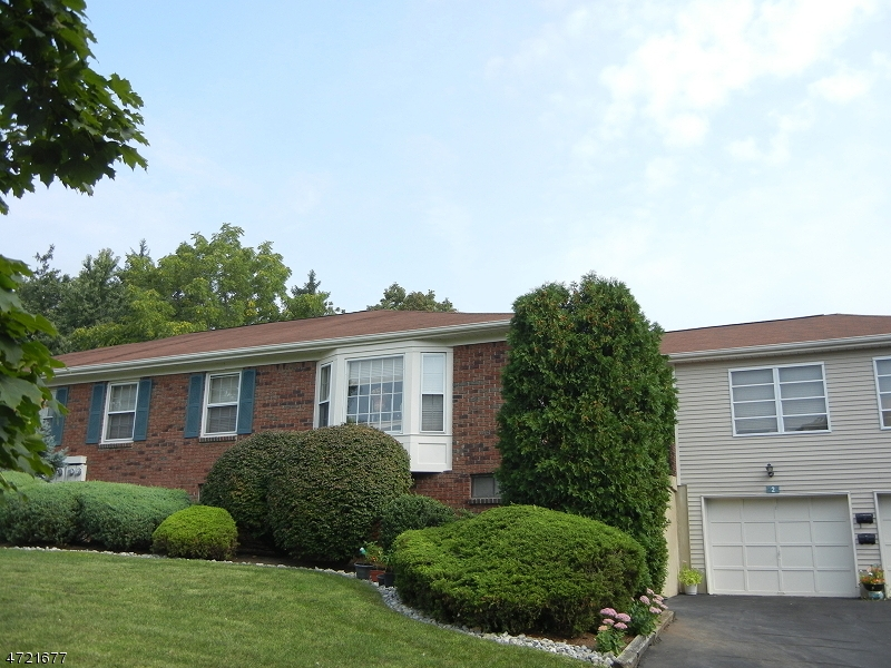 Single Family Home for Rent at 4 Brandywyne Drive Florham Park, New Jersey 07932 United States