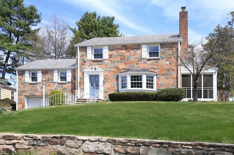 Частный односемейный дом для того Продажа на 11 Forest Avenue Cranford, Нью-Джерси 07016 Соединенные Штаты