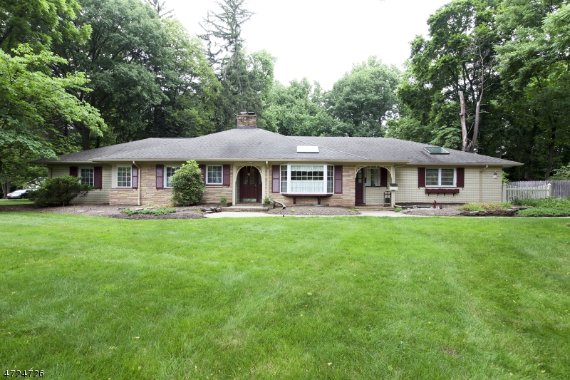 Single Family Home for Sale at 170 Rockview Avenue North Plainfield, 07060 United States