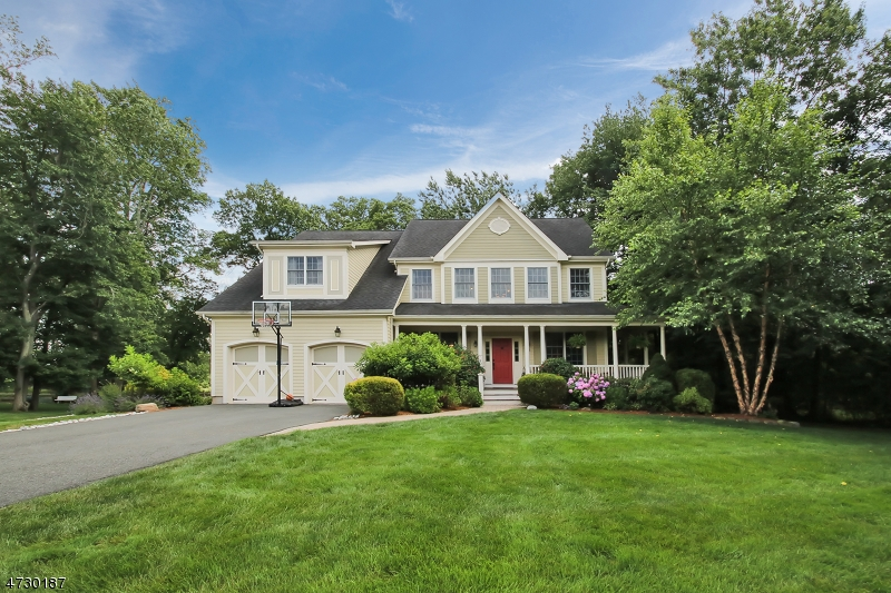 Maison unifamiliale pour l Vente à 1656 Cooper Road Scotch Plains, New Jersey 07076 États-Unis