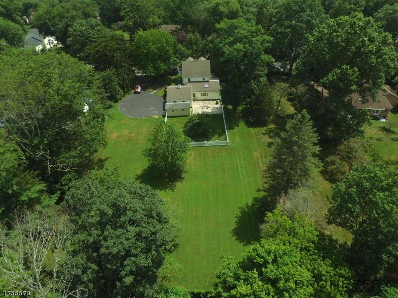 Einfamilienhaus für Verkauf beim 77 Springfield Avenue 77 Springfield Avenue Berkeley Heights, New Jersey 07922 Vereinigte Staaten
