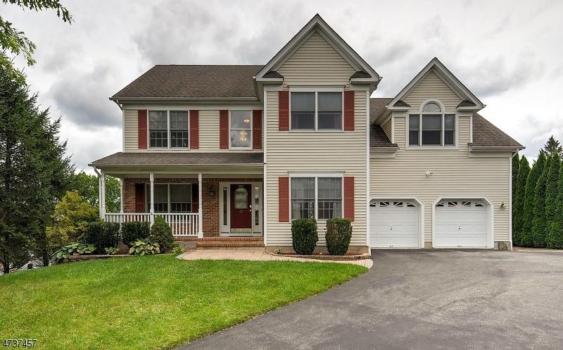 Enfamiljshus för Försäljning vid 10 Myrtle Avenue Lebanon, New Jersey 08833 Usa