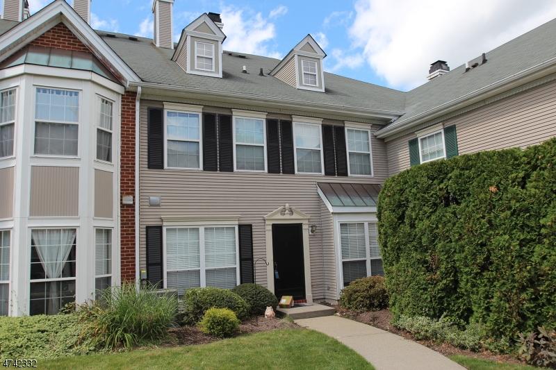 Частный односемейный дом для того Аренда на 1090 Coventry Way Mahwah, Нью-Джерси 07430 Соединенные Штаты