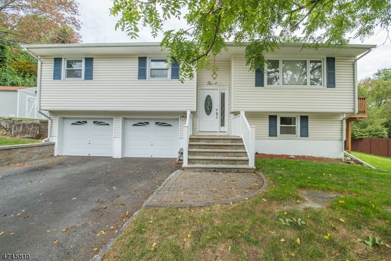 Single Family Home for Sale at 2A JEFFREY Drive 2A JEFFREY Drive Bloomingdale, New Jersey 07403 United States