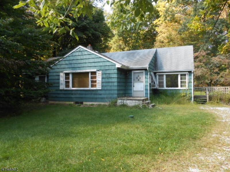 Einfamilienhaus für Verkauf beim 8 Wilson Place Andover Township, New Jersey 07860 Vereinigte Staaten