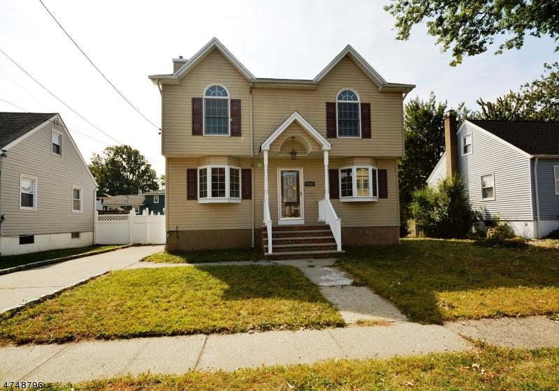 Casa Unifamiliar por un Venta en 248 South Street Saddle Brook, Nueva Jersey 07663 Estados Unidos