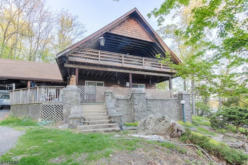 Частный односемейный дом для того Продажа на 26 Byram Bay Road Hopatcong, Нью-Джерси 07843 Соединенные Штаты