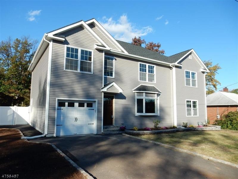 Maison unifamiliale pour l Vente à 6 Oak Street Clark, New Jersey 07066 États-Unis