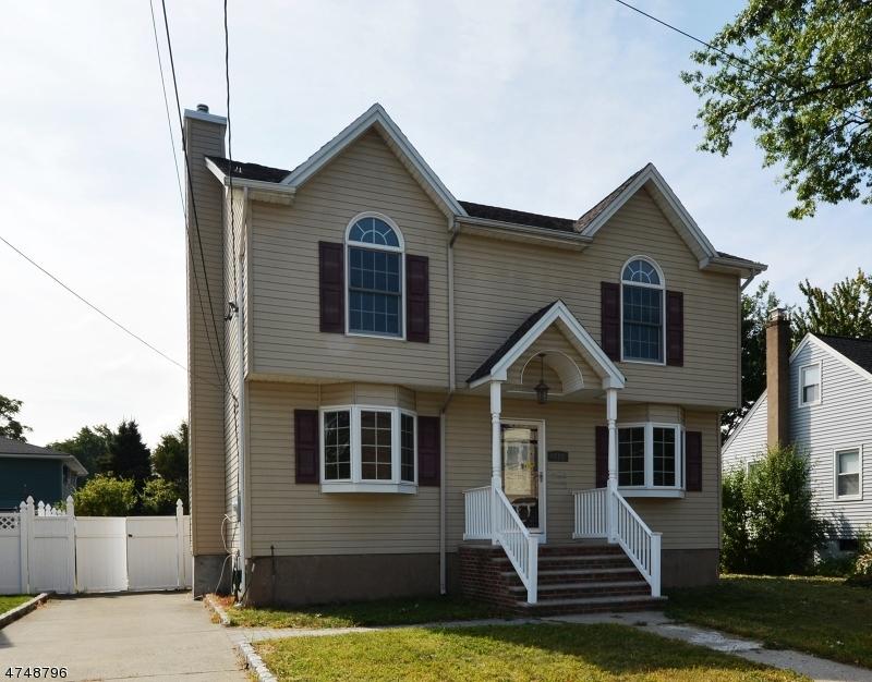 Частный односемейный дом для того Продажа на 248 South Street Saddle Brook, Нью-Джерси 07663 Соединенные Штаты