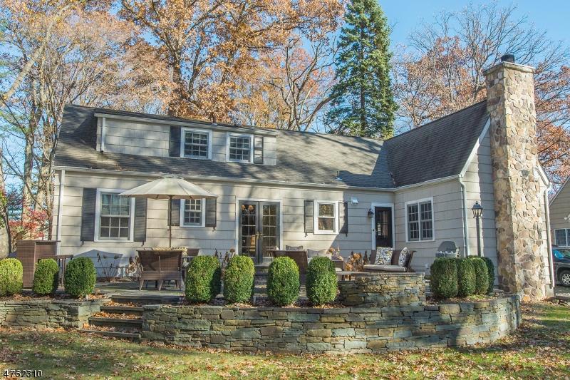Einfamilienhaus für Verkauf beim 50 Oak Grove Road Caldwell, New Jersey 07006 Vereinigte Staaten