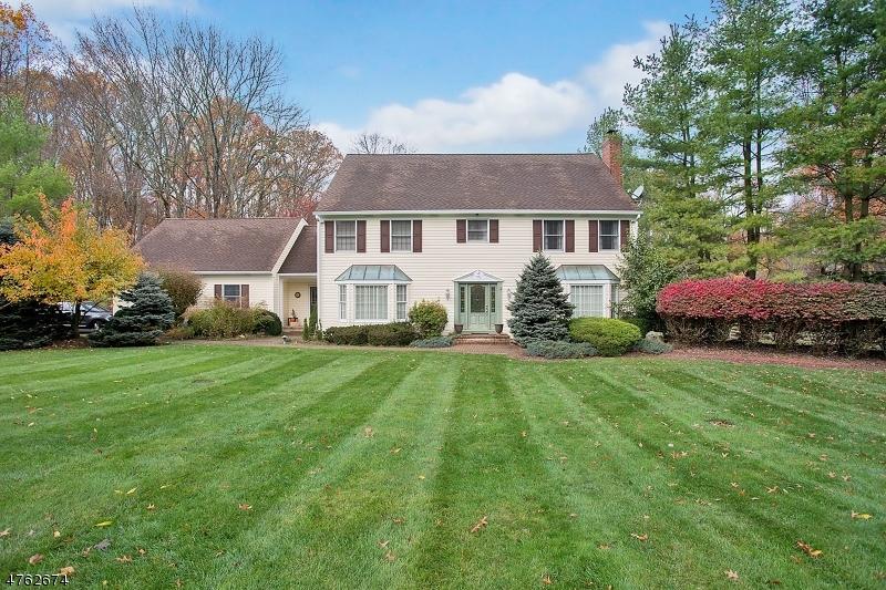 Nhà ở một gia đình vì Bán tại 7 Chesterbrook Road 7 Chesterbrook Road Chester Township, New Jersey 07930 Hoa KỳTrong/Xung quanh: Chester