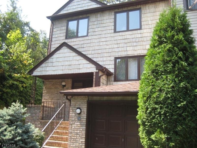 Casa Unifamiliar por un Alquiler en 30 Valley Forge Lane Parsippany, Nueva Jersey 07950 Estados Unidos