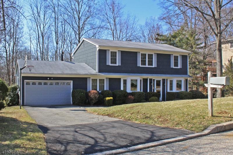Casa Unifamiliar por un Venta en 17 Woodland Ter High Bridge, Nueva Jersey 08829 Estados Unidos