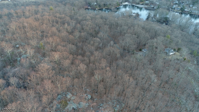 Additional photo for property listing at 41 Buena Vista Dr 41 Buena Vista Dr Bloomingdale, New Jersey 07403 United States