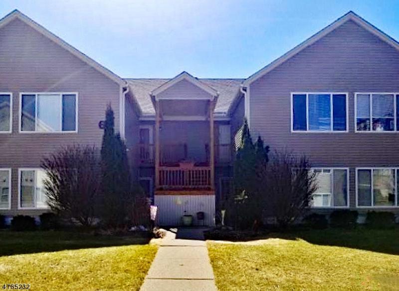 Condo / Townhouse for Sale at 68 Falcon Ridge Way Hamburg, New Jersey 07419 United States