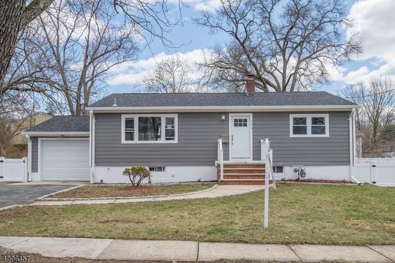 Maison unifamiliale pour l Vente à 155 Washington Avenue New Milford, New Jersey 07646 États-Unis
