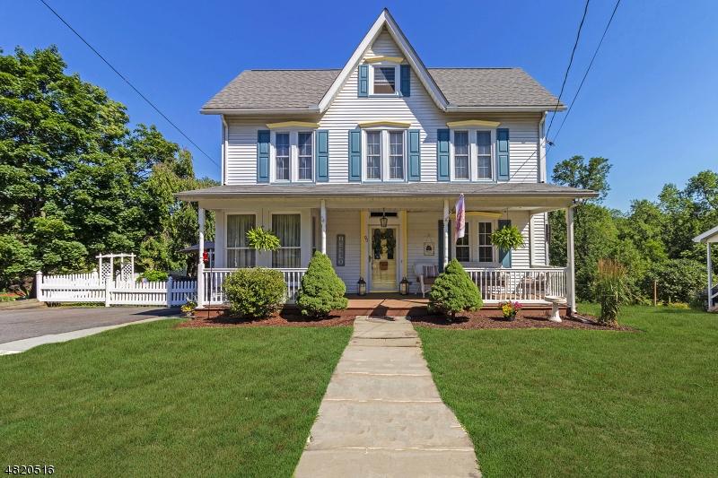Villa per Vendita alle ore 90 BRUNSWICK Avenue Bloomsbury, New Jersey 08804 Stati Uniti