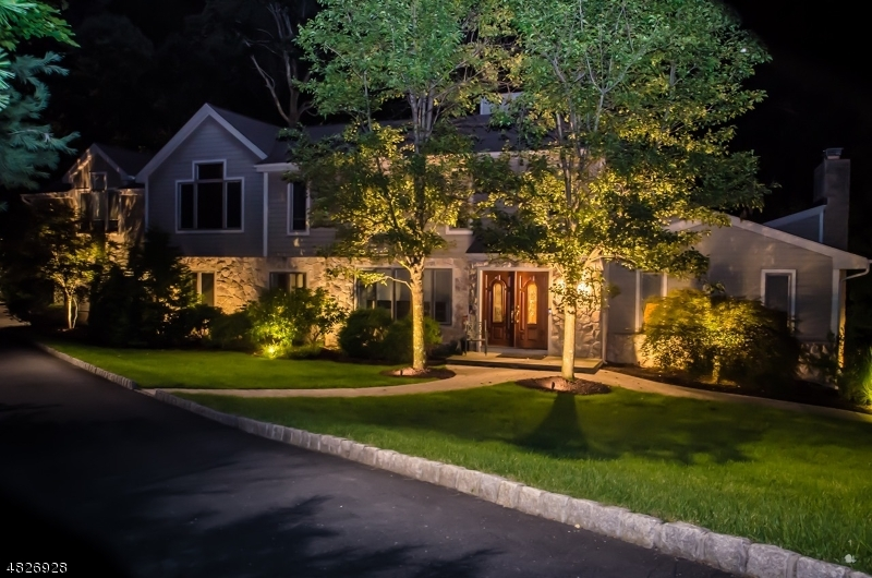 Single Family Home for Sale at 720 SANDIA PL 720 SANDIA PL Franklin Lakes, New Jersey 07417 United States